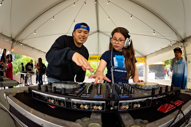 Learn to DJ with the Table Tutors