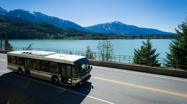 Photo bus on Sea to Sky Highway