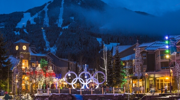 Olympic rings in evening glow photo by Justa Jeskova